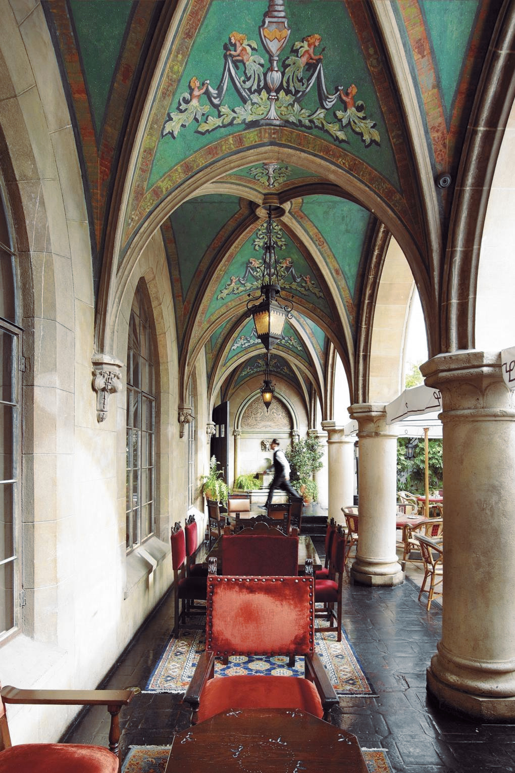 Hollywood loggia with Gothic arches